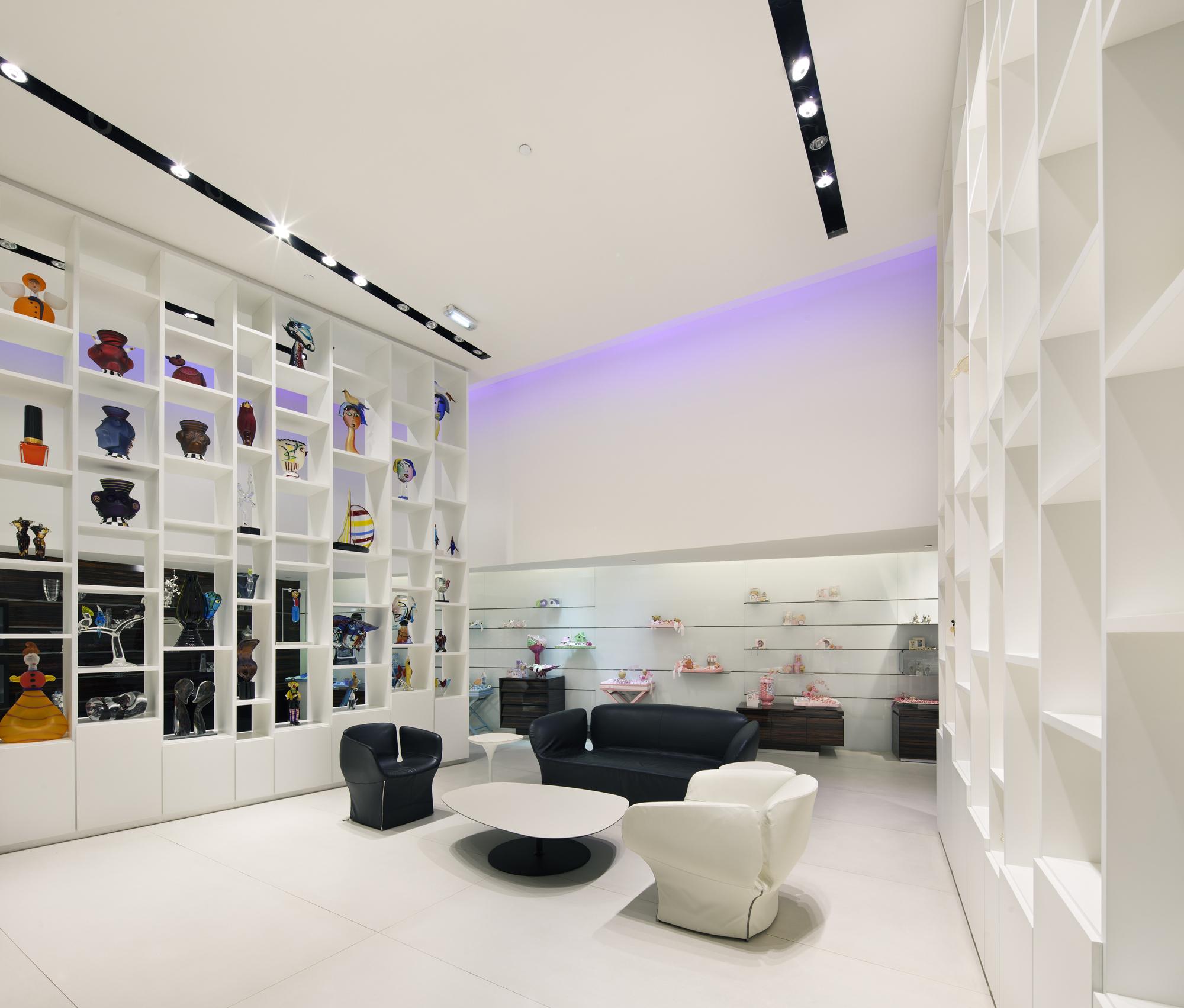 Patchi store hkz mena design magazine for Dubai fashions home decorations