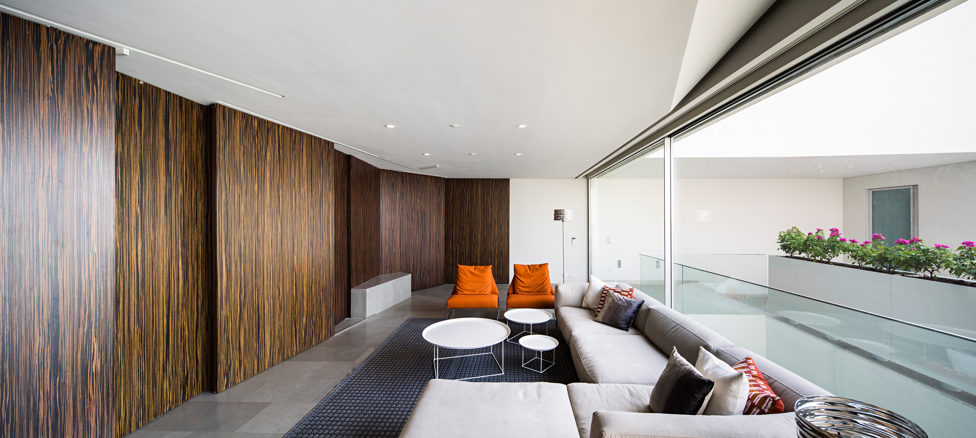 AGI_WALL_HOUSE_KUWAIT_081015_0007