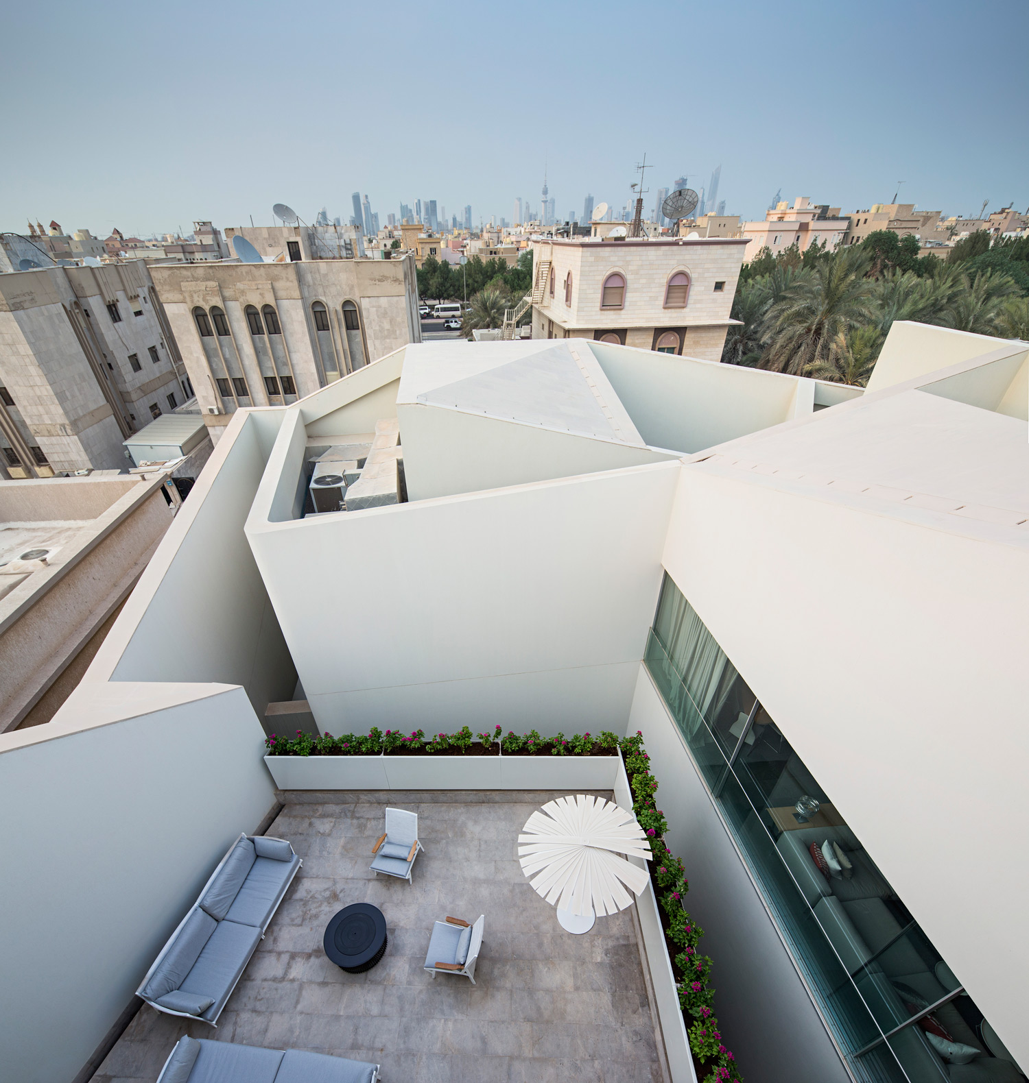AGI_WALL_HOUSE_KUWAIT_PAN_081015_0018
